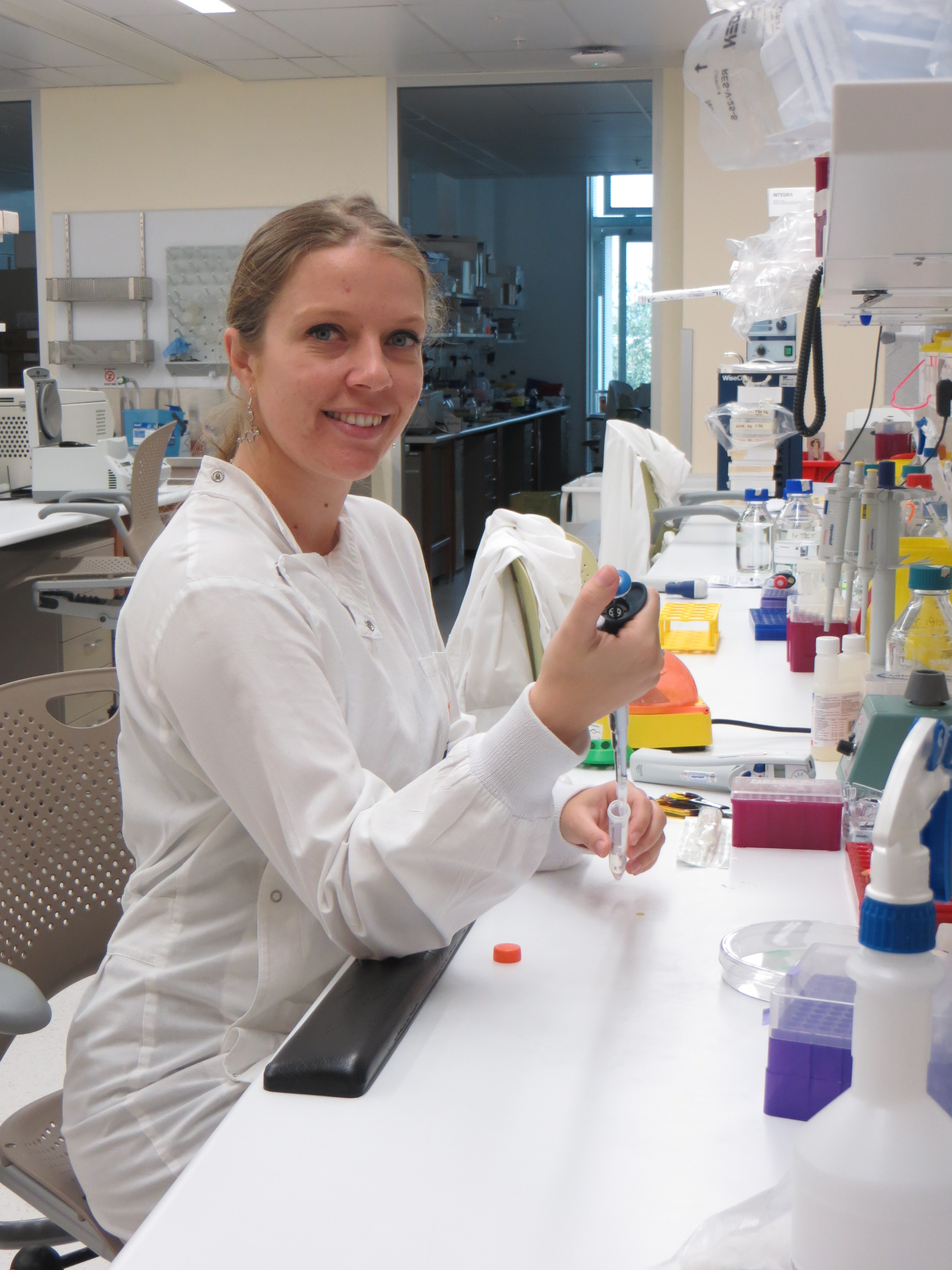 Dual  successes for APCRC-Q PhD student, Claire Levrier